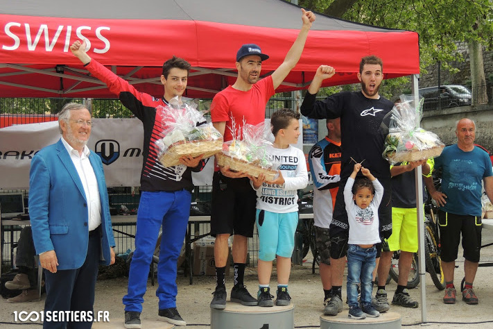 course_enduro-escarene-2015_podium