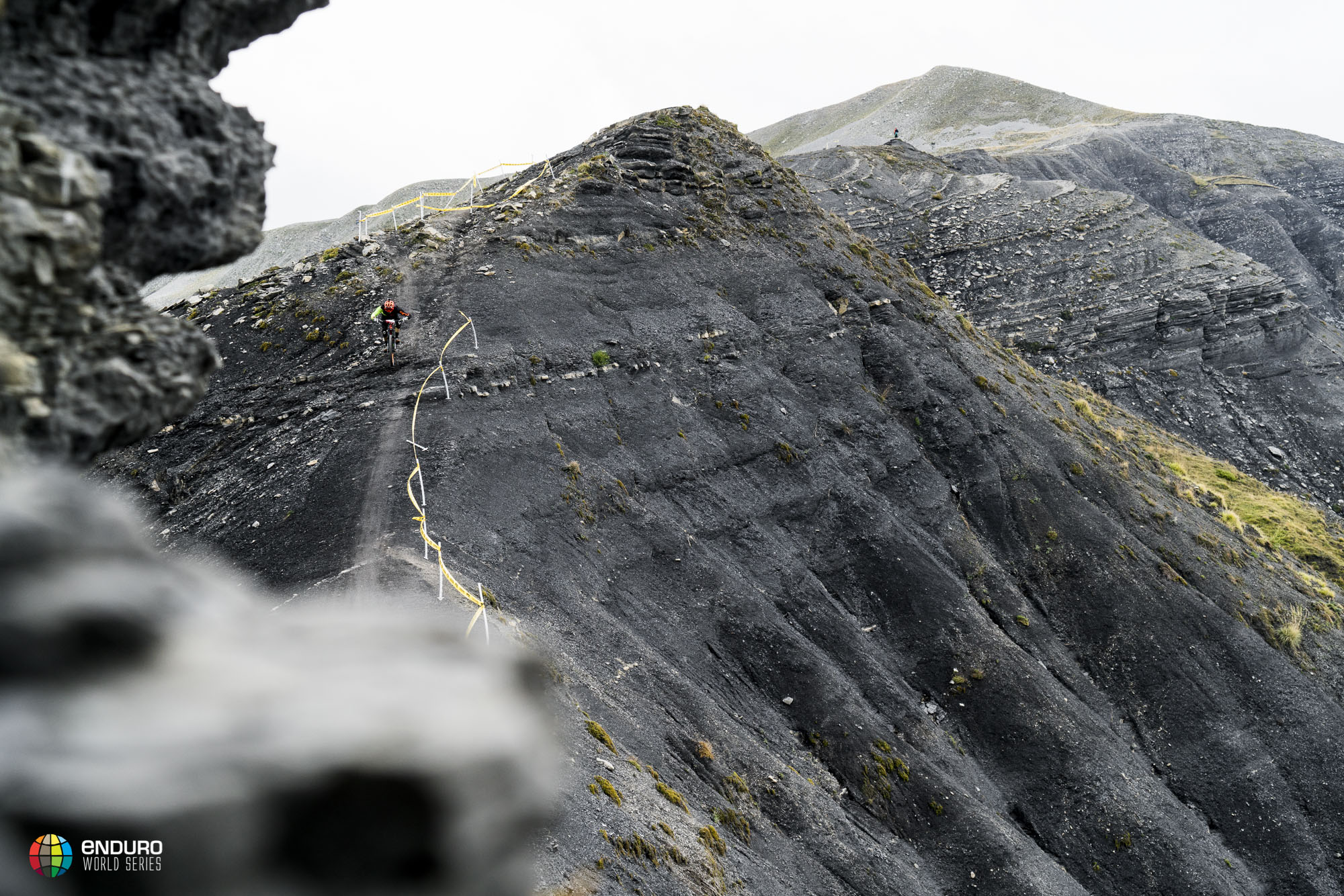 Jagged rocks and grey earth is the name of the game here