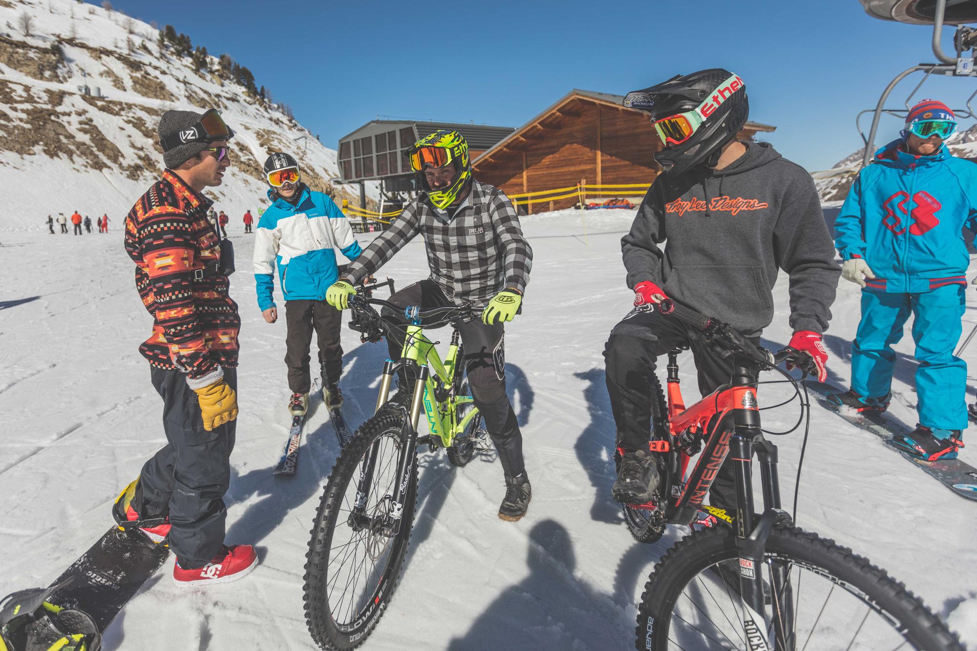 snowbike isola 2000 south crew 4B9A1038