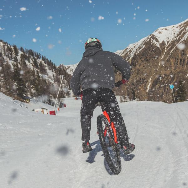 Snowbike à Isola 2000: vidéo, photos et événement