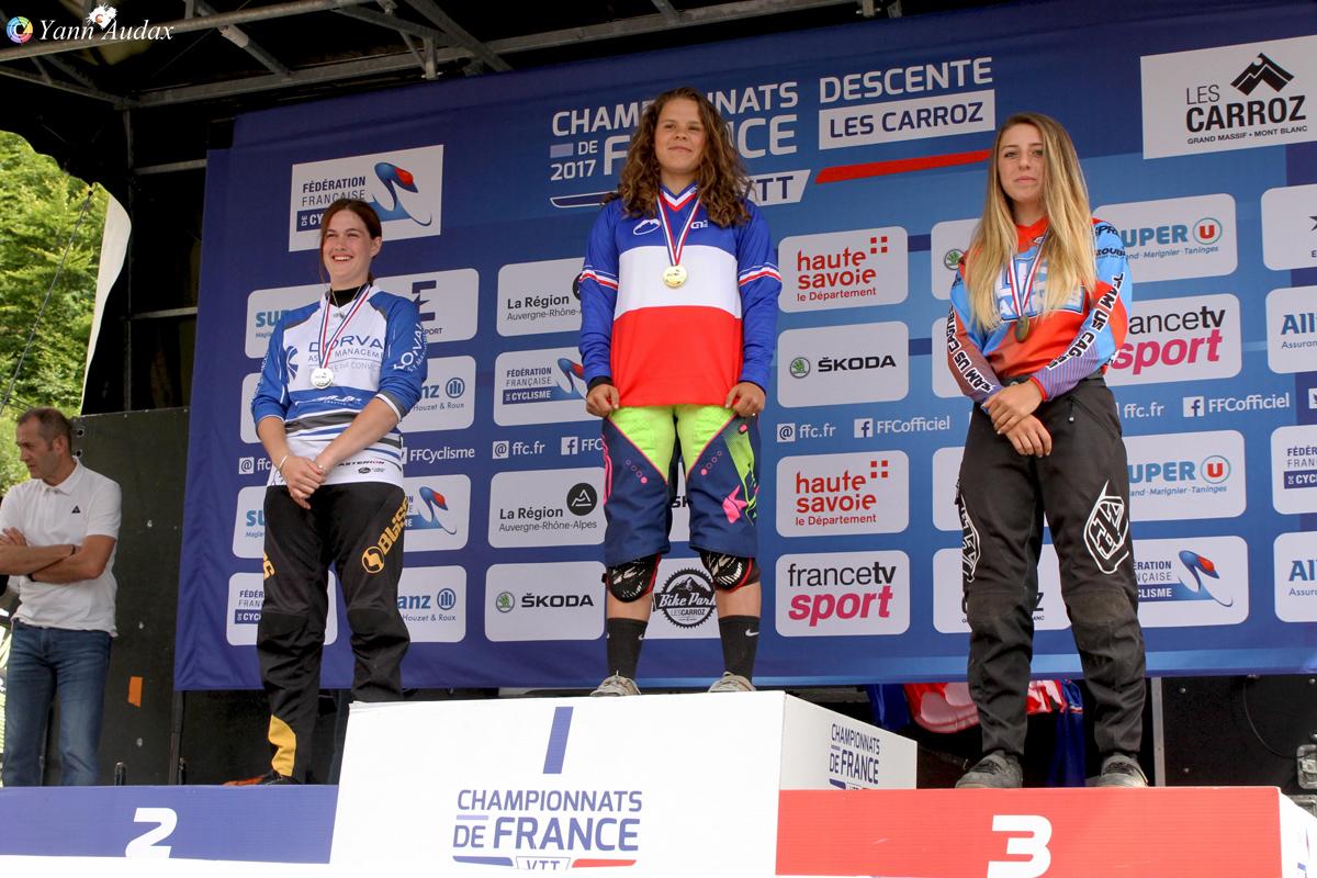 championnats france descente 2017 podium juniors dames_photo yann audax