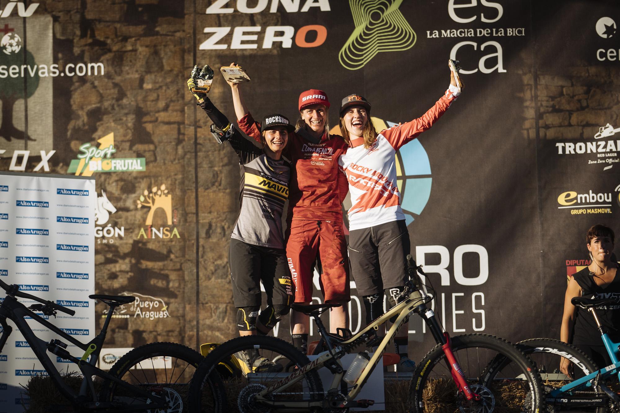 Womens podium, 1st Cecile Ravanel, 2nd Isabeau Courdurier, 3rd Andreane Lanthier Nadeau.