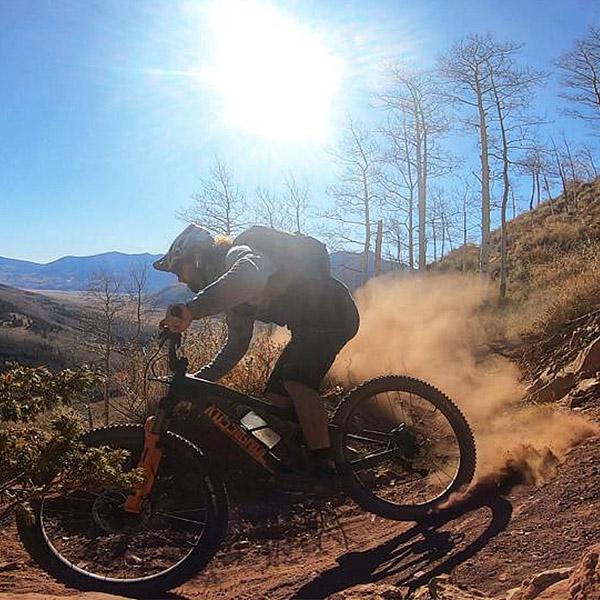 Vidéo: Tito Tomasi ride Crested Butte, Colorado