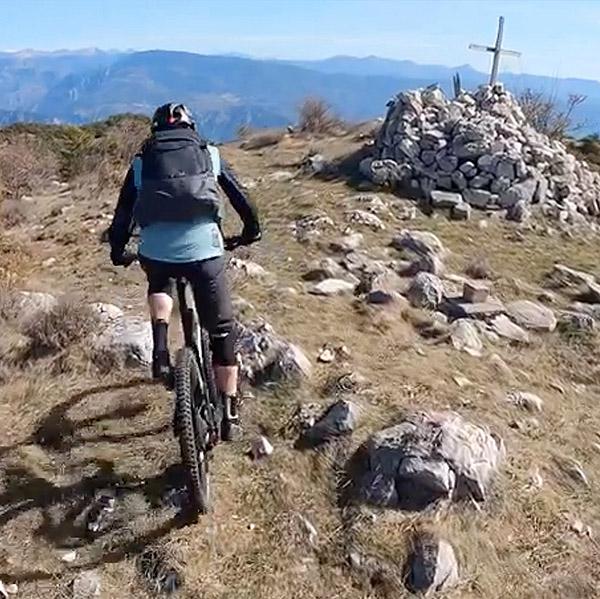 Vidéo: les Préalpes d'Azur dans la roue de Greg & Tito